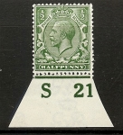 King George V 1/2d green Royal Cypher. Control S21 imperf M/M